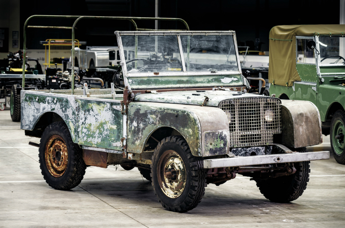 1948 Model Land Rover Eve Döndü